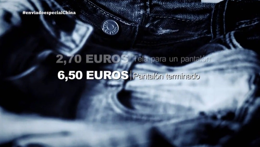 """Frame 203.832847 de: El precio final de un vaquero en China: """"Un pantalón terminado puede costar unos 6,50 euros"""""""