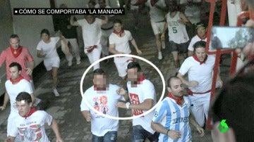 Dos de los miembros de 'La Manada' en los encierros de San Fermín