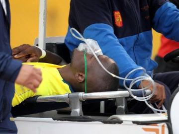 Enner Valencia, retirándose lesionado