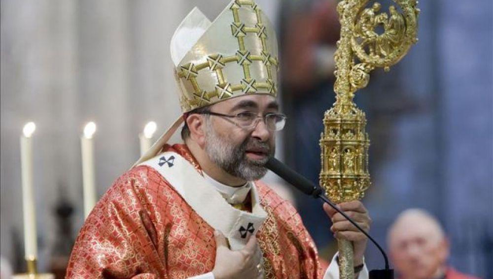 El arzobispo de Oviedo, Jesús Sanz