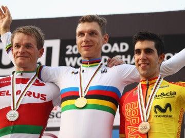 Castroviejo, en el podio junto a Tony Martin y Vasil Kiryienka