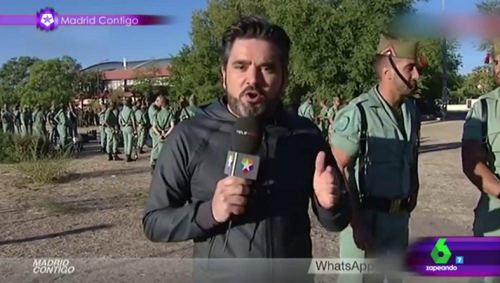 """Frame 94.231272 de: El reportero Masegosa destaca un lado muy peculiar del carnero de la Legión: """"Tiene un rabo kilométrico"""""""