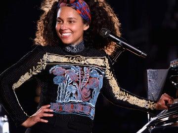 Alicia Keys presentando su nuevo disco 'Here' en Times Square