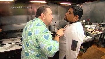 """Alberto Chicote se enfrenta al amante de la cocina, Ronal: """"¿Dónde aprendiste tú a cocinar, en una cueva de trolls?"""