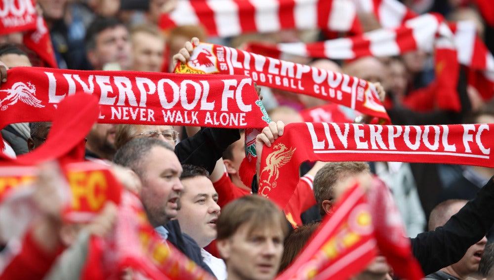 Aficionados del Liverpool durante un partido