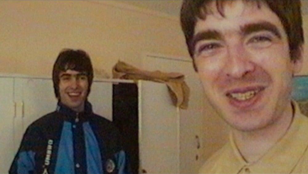 Liam y Noel Gallagher, integrantes de Oasis