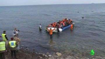 Frame 1.186846 de: sirios devueltos