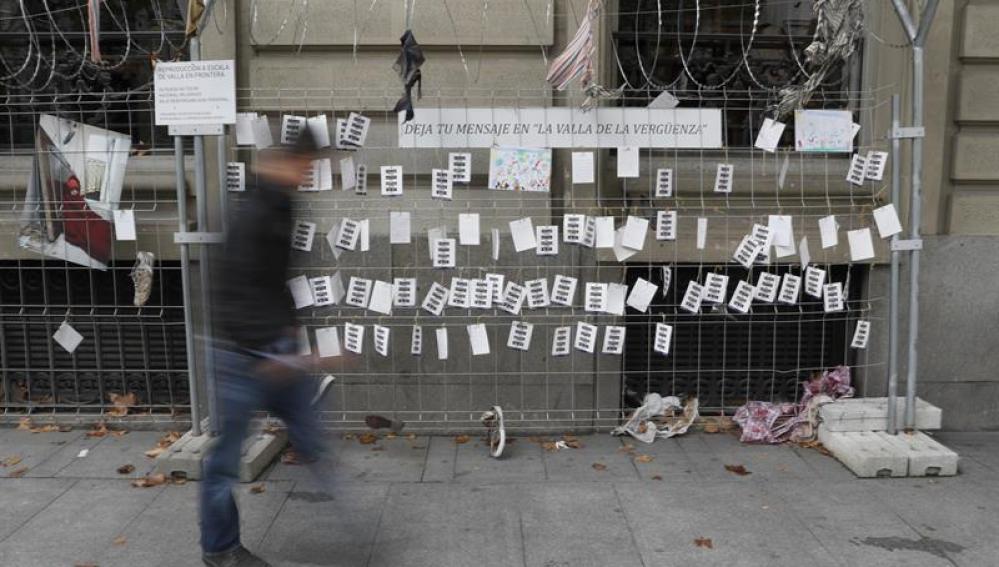 Valla de la vergüenza en el colegio de abogados de Madrid