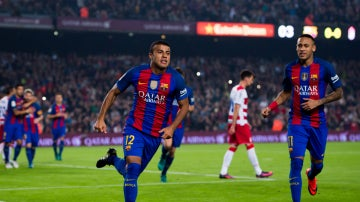 Rafinha celebra un gol con el Barça