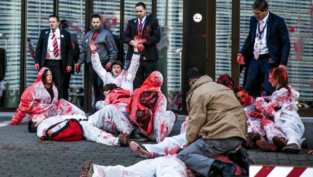 Manifestantes a las puertas del Consejo Europeo