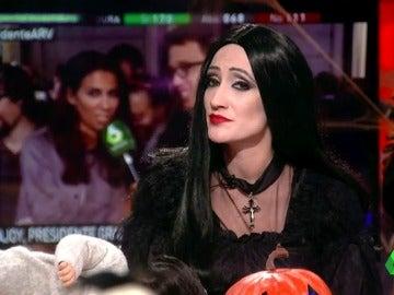 Frame 143.945504 de: Tras su beso a Íñigo Errejón ¿será Pablo Iglesias el mejor candidato para ocupar el Ministerio del Amor?