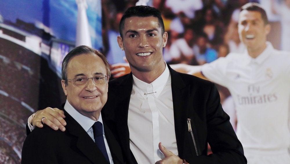 Florentino Pérez junto a Cristiano Ronaldo