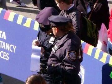 Frame 0.430323 de: seguridad nueva york