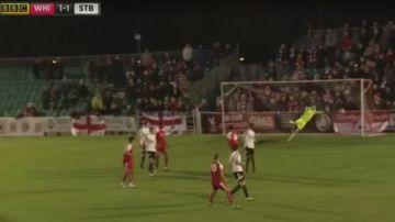 Un equipo de la FA Cup marca el gol decisivo durante el pitido final