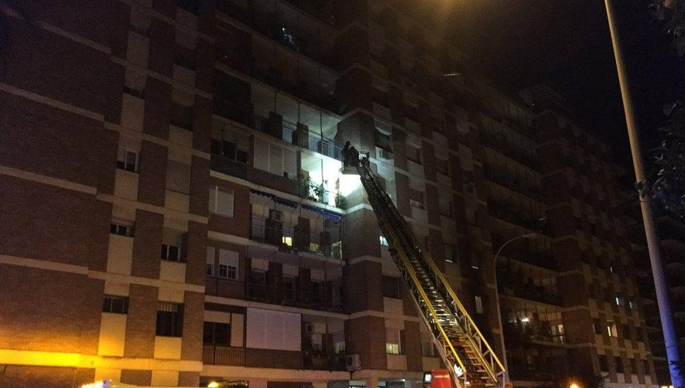 Un incendio en el barrio sevillano de Los Remedios