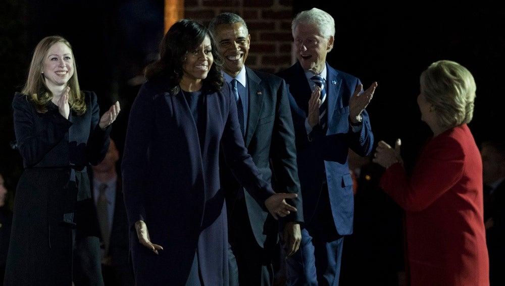 Los Obama apoyan a Hillary Clinton en su cierre de campaña