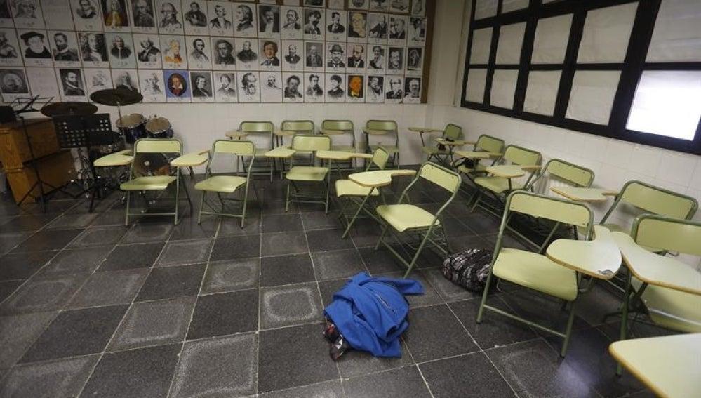 Aulas vacías en un colegio