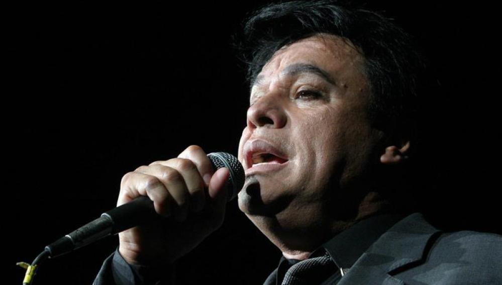 El difunto Juan Gabriel se coronó como mejor álbum del año en los Grammy