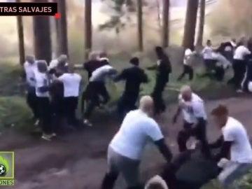 Hooligans holandeses y franceses se pegan en mitad de un bosque