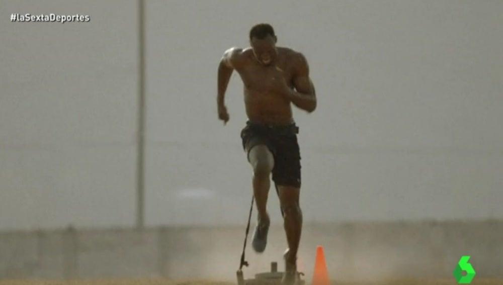 Usain Bolt en uno de sus duros entrenamientos