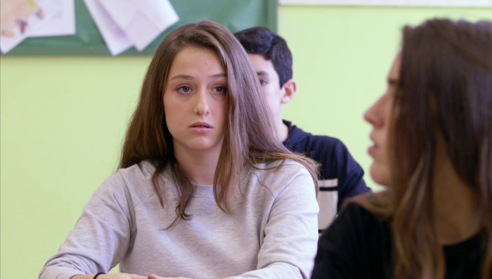 Alumna de un instituto
