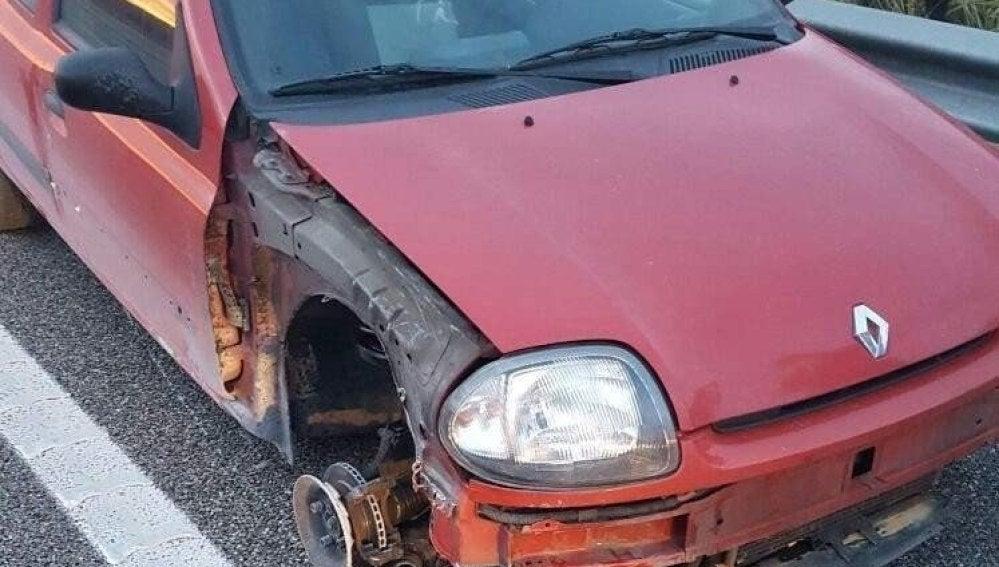 Fotografía facilitada por los Mossos d'Esquadra del vehículo