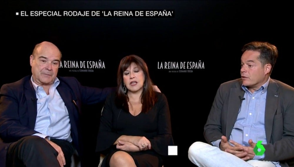 """Frame 35.844418 de: Jorge Sanz bromea con la visita de la reina Letizia al rodaje de 'La Reina de España': """"Estás cogida del brazo de un galán"""""""