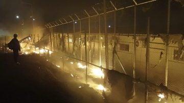 Incendio en el campo de refugiados de Moria