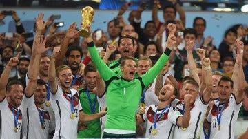 Alemania levantando la copa del mundo