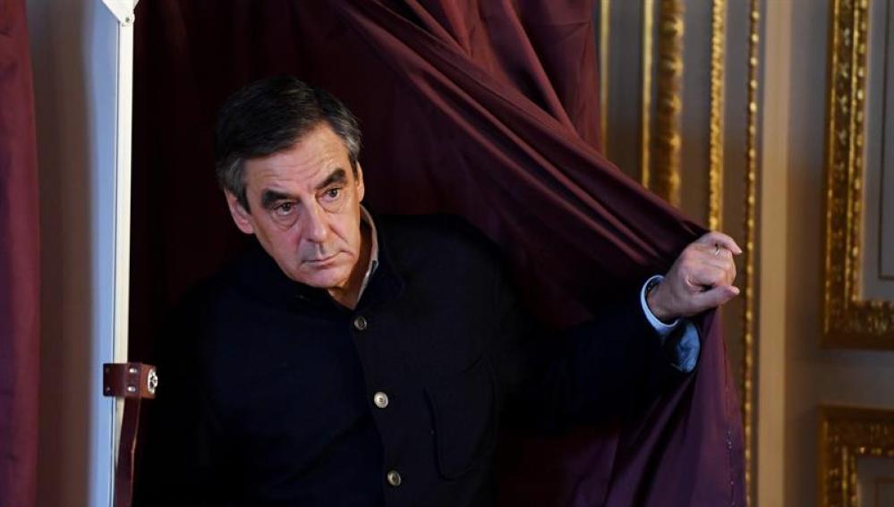 François Fillon, después de votar