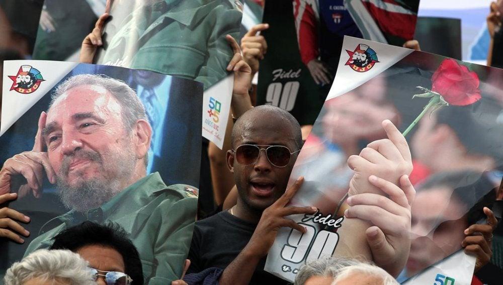 Concentración en La Habana a favor de Fidel Castro