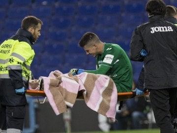 Serantes, retirándose del campo en el partido contra el Espanyol