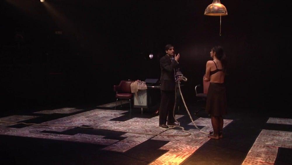 Frame 39.586188 de: 'Mírame', la obra de teatro sobre testimonios de violencia machista que busca remover conciencias