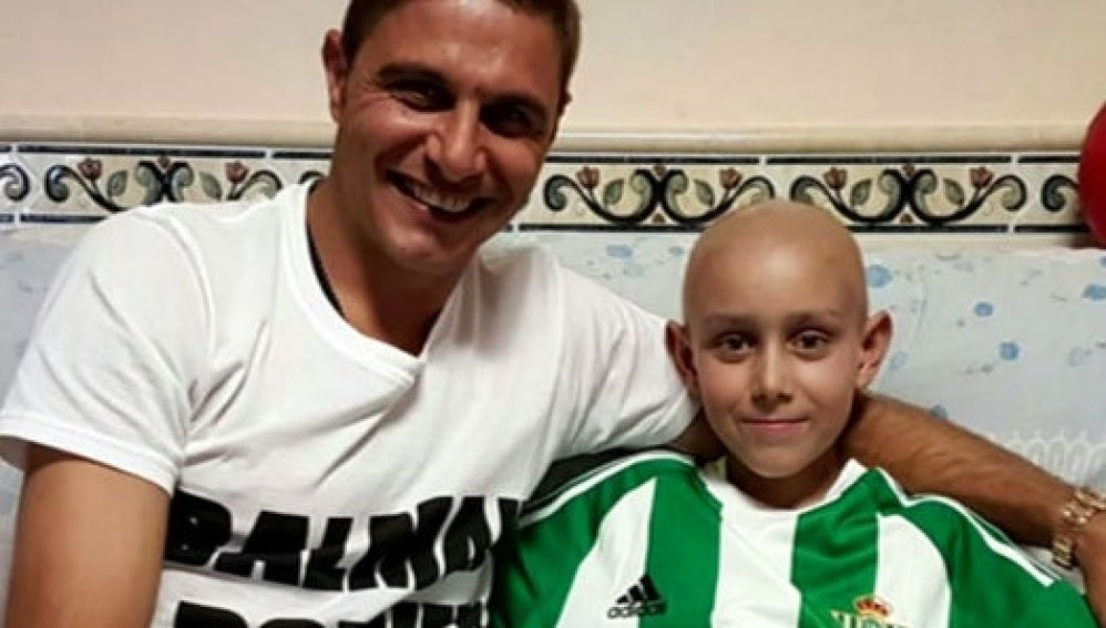 Joaquín con José Antonio, el niño con leucemia