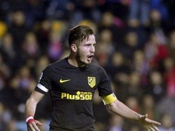 Saúl celebra su gol de penalti contra el Guijuelo