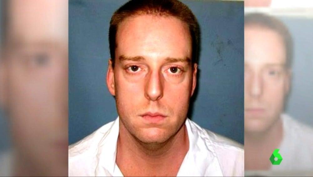 Frame 5.422762 de: Un reo sufre 13 minutos de agonía durante su ejecución en Alabama