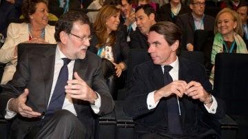 Rajoy y Aznar en un acto