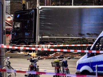 Imagen del camión después del atropello masivo en Berlín