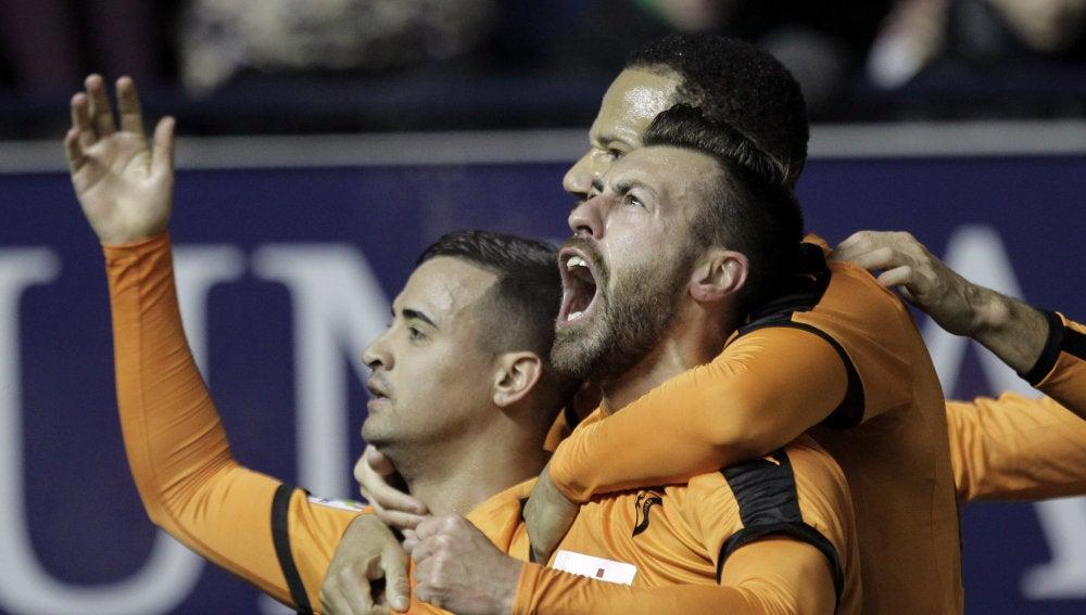 Los jugadores del Eibar celebran un gol a domicilio