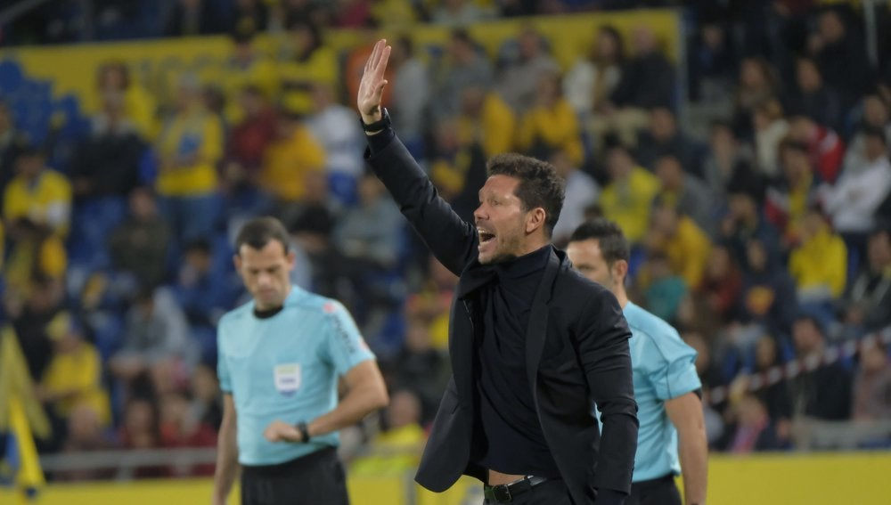 Simeone durante el partido frente a Las Palmas