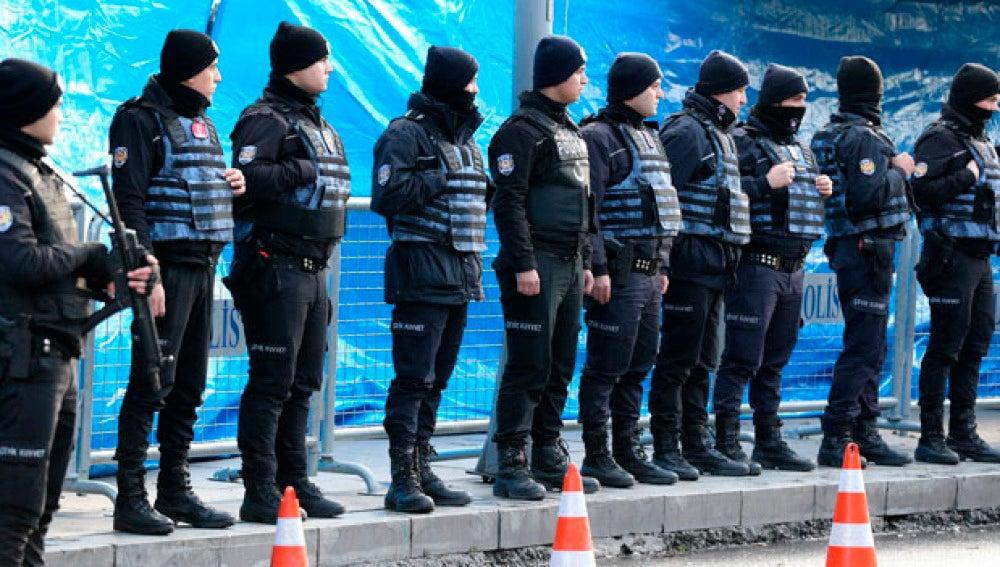 Dispositivo policial en Estambul tras el ataque