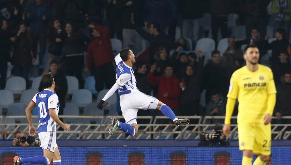 Willian José celebra un gol