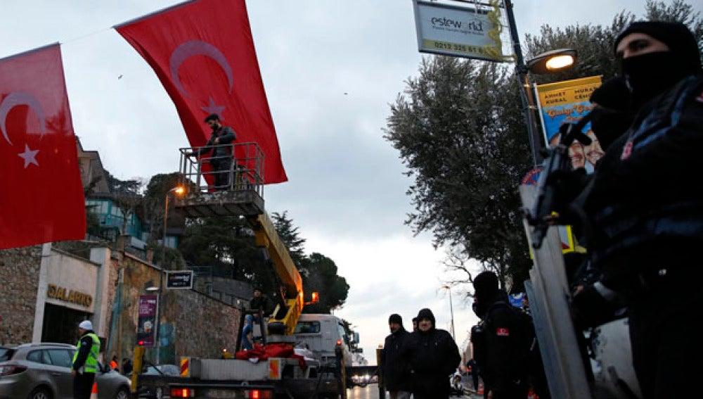 Dispositivo policial en las calles de Estambul