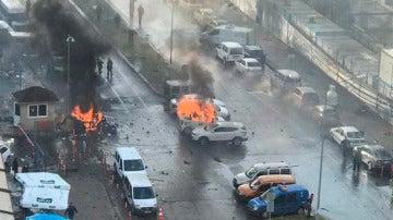 Coche bomba en Esmirna, Turquía