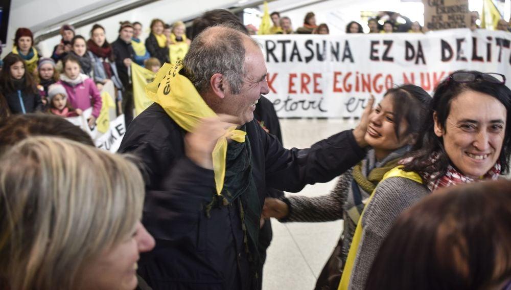 Los activistas Mikel Zuloaga y Begoña Huarte