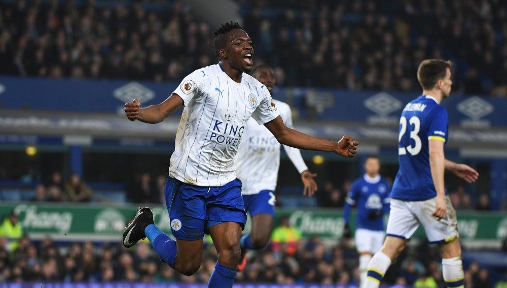 Musa celebrando uno de sus goles