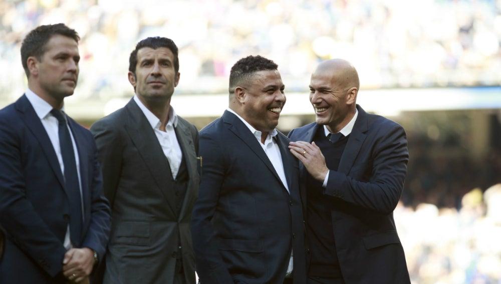 Ronaldo, con Owen, Figo y Zidane