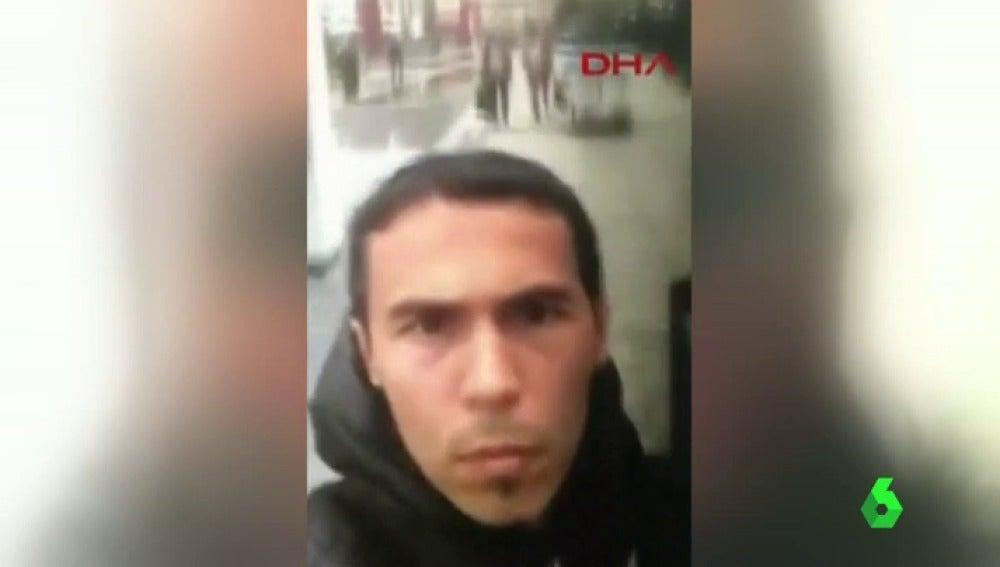 Frame 2.68881 de: TERRORISTA ESTAMBUL