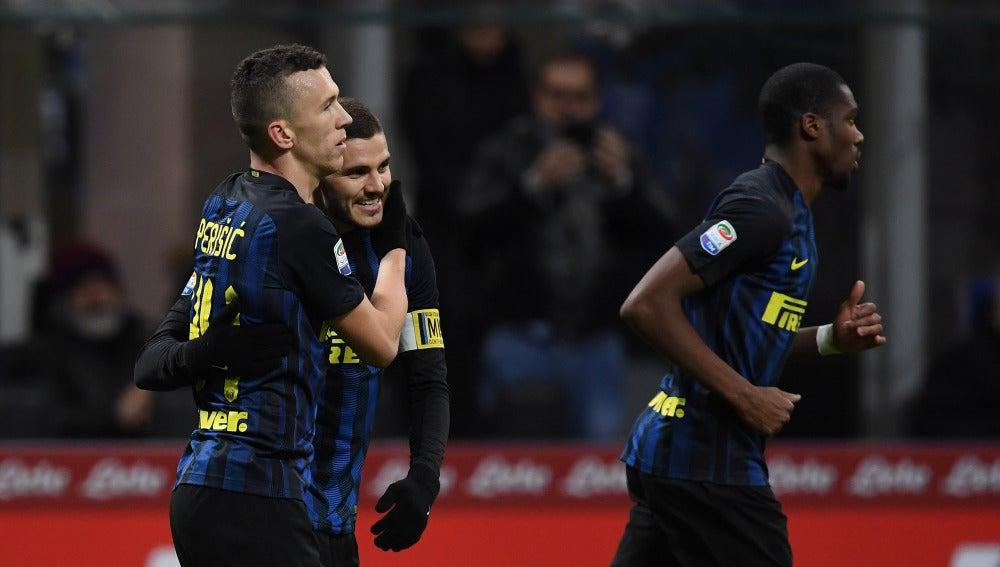 Perisic celebra un gol con Icardi