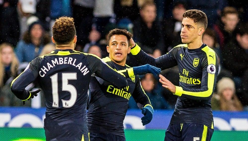 Los jugadores del Arsenal celebrando un gol